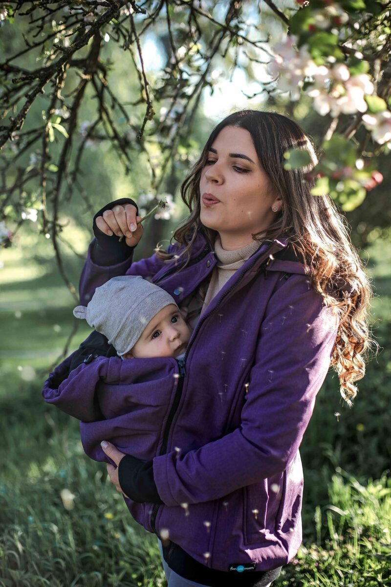 Fun2bemum babywearing softshell Everest lifestyle 2 purple