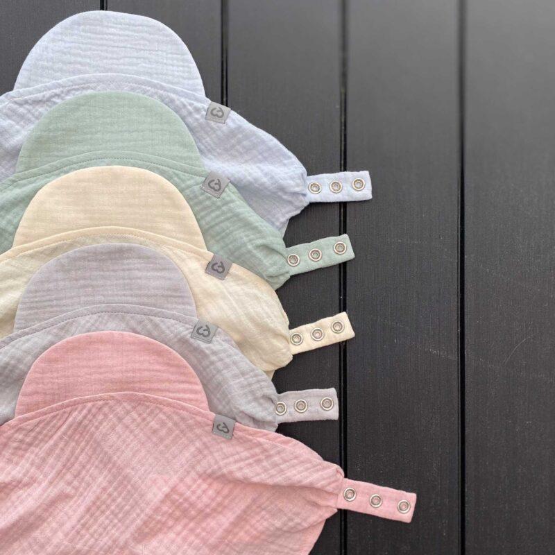 Fun2bemum chustka muslinowa dla dzieci regulowana muslin cotton hat for baby kolaz kolory